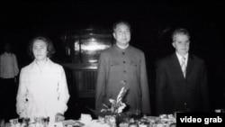 """Кадр из документального сериала """"Деспотичные домохозяйки"""""""