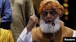 مولانا فضل الرحمان وايي د عمران خان حکومت غیر قانوني دی - انځور له ارشیفه