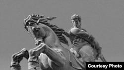 """Е.С. Кочар. Монумент «Давид Сасунский» в Ереване. Бронза, базальт, 1959 год. [Фото — <a href=""""http://www.cultinfo.ru/fulltext/1/001/008/071/649.htm"""" target=""""_blank"""">CULTINFO</a>]"""