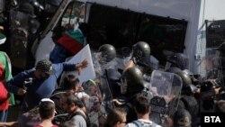 """Сблъсък в района на площад """"Независимост"""""""