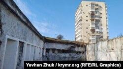 Толстый бетон форта А5 может пережить многие из советских панельных девятиэтажек