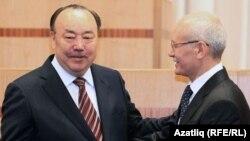 Башкортстанның элекке һәм хәзерге президентлары: Мортаза Рәхимов (с) һәм Рөстәм Хәмитов