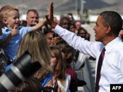 Барак Обама встречается с ветеранами войны в Ираке и их семьями в Техасе в 2010 году
