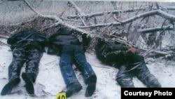 Тела убитого оппозиционного политика Алтынбека Сарсенбаева и его помощников, найденные близ Алматы 13 февраля 2006 года.