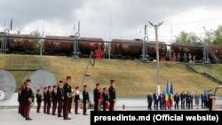 Ceremonia de primire a primei tranșe de motorină donată de România, 17 mai, Ocnița
