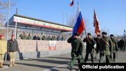 Военнослужащие российской базы в Гюмри (архив)