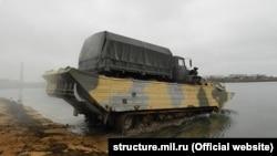Инженеры Черноморского флота России переправили военную технику через залив Донузлав