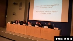 Nga një takim i organit vetëqeverisës të tatarëve krimeanë - Mejlis