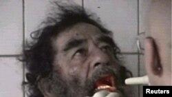 صدام حسین در بازداشت نیروهای آمریکایی