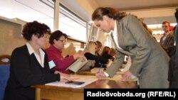 Pamje nga votimet në UKrainë