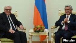 Armenia - President Serzh Sarkisian meets with German Foreign Minister Frank-Walter Steinmeier, Yerevan, 23Oct2014.