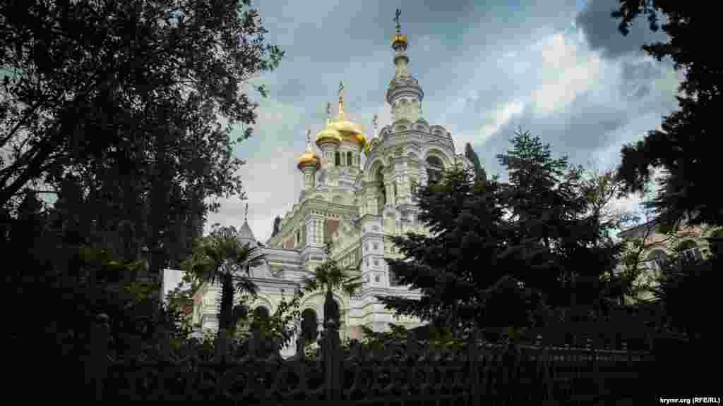 Aziz Aleksandr Nevskiyniñ baş kilsesi