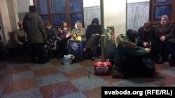Чачэнскія ўцекачы на берасьцейскім вакзале