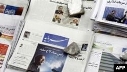 هيئت نظارت بر مطبوعات كه رياست آن با وزير فرهنگ و ارشاد اسلامى و متشكل از هفت عضو است از زمان برگزارى انتخابات دهم رياست جمهورى، تعطيلى مطبوعات را شدت بخشيده است.