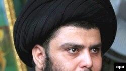 مقتدا صدر از نخست وزیر عراق خواسته است تا شهر بصره را ترک کند.(عکس: EPA)