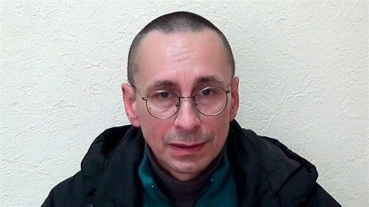 «Это настолько интеллигентный человек!». Как врача бросили в застенки в Донецке