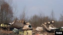 Абломкі самалёта Ту-154, які ўпаў у раёне Смаленску