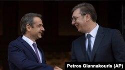 Грчкиот премиер Кирјакос Мицотакис и претседателот на Србија Александар Вучиќ.