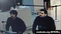 Dy sulmuesit e dyshuar në aeroportin e Brukselit.