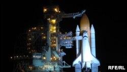 Космічний корабель Shuttle Atlantis перед запуском на мисі Канаверал