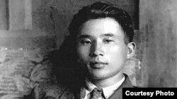 Әбусағит Жиреншин – қазақ ғалымы, абайтанушы. 1940 жылдары түскен суреті.