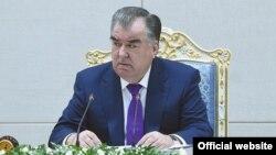 Эмомали Рахмон на расширенном заседании правительства. Фото пресс-службы президента Таджикистана