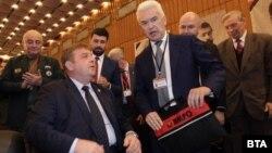 Волен Сидеров избра агресивна предизборна кампания срещу коалиционните си партньори от ВМРО, което задълбочи конфликта между тях