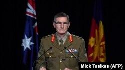 اَنگِس کمپبل، فرمانده کل ارتش استرالیا