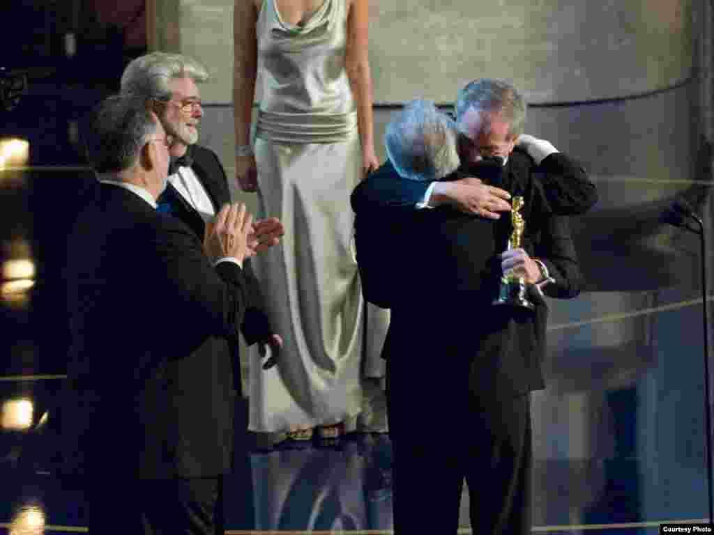 بابا دستخوش مارتین، بالاخره جایزه را گرفتی!