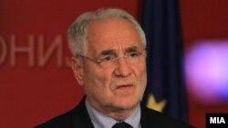 известувачот за Македонија во ЕП Иво Вајгл