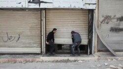 Orașele siriene controlate de rebeli se golesc după raidurile aeriene