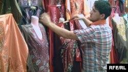 محل ملابس في سوق ببعقوبة