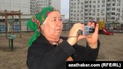RFE/RL's Turkmen Service reporter Soltan Achilova