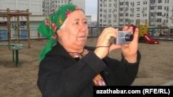 Azatlyk Radiosynyň Türkmen gullugynyň habarçysy Soltan Açylowa