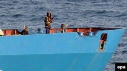 Somali piratları Ukrayna gəmisini tutub. 2008, 20 oktyabr.