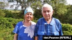 Усние и Нури Кемаловы в Крыму