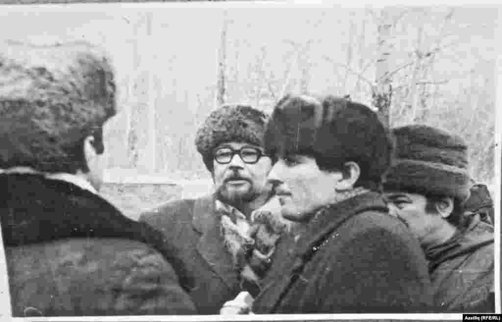 Чаллы ТИҮенең беренче рәисе Гаяз Малихов (күзлекле), аның уң ягында - Нур Гыймазов