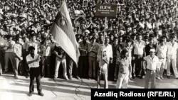Lenin meydanında mitinq