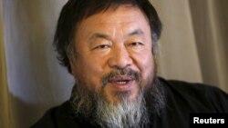 Қытай суретшісі әрі диссидент Ай Вэйвэй.