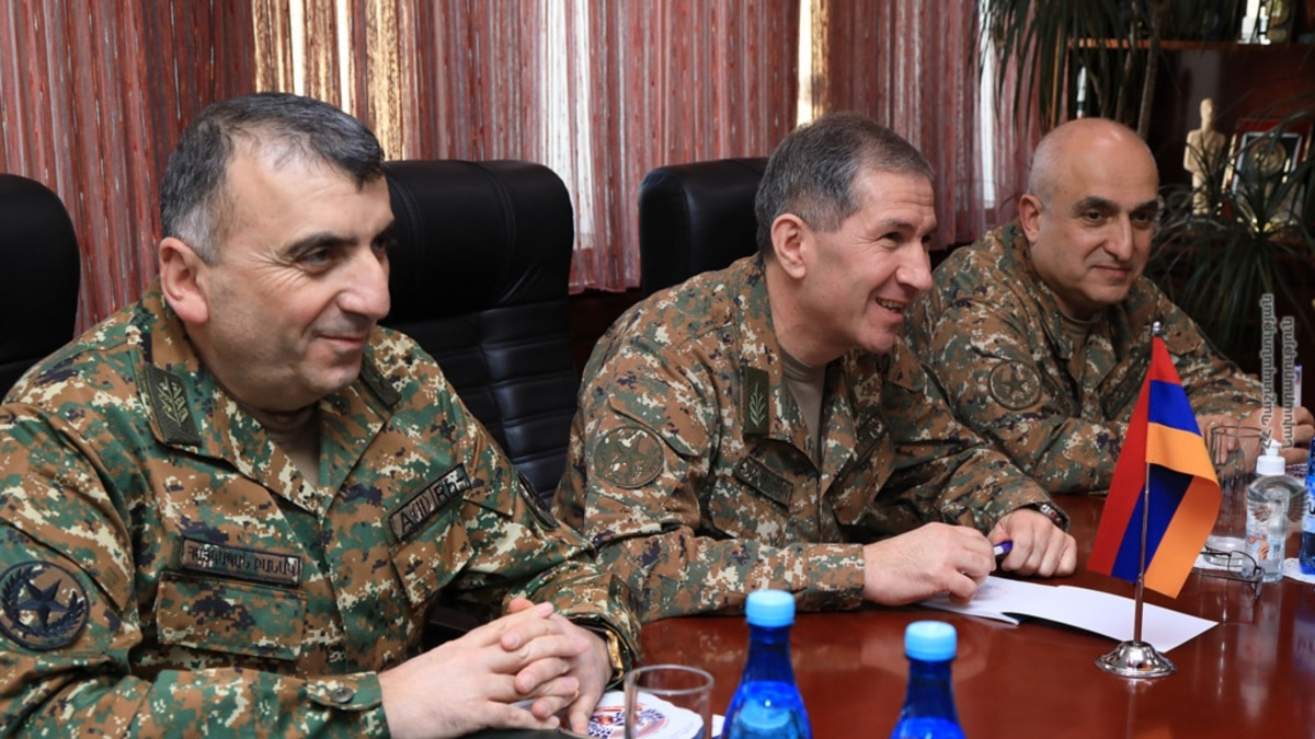 Former Army Chief Urges Parliament Probe Of Karabakh War