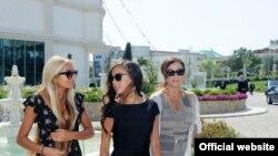 Mehriban Aliyeva sa kćerkama Lejlom i Arzu