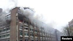Pamje e qeverisë pas shpërthimit të bombës së vendosur nga Brejvnik