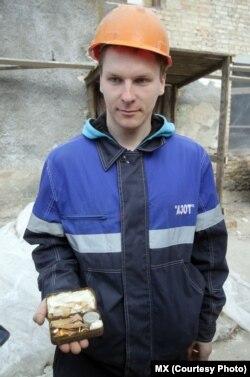 Будаўнік Уладзімер Страковіч, які знайшоў скарб