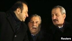 ظفر چاگلایان (وزیر اقتصاد)، معمر گلر (وزیر کشور)، اگهمن باگیس (وزیر امور اروپا) هر سه متهم به دریافت رشوه از ضراب هستند