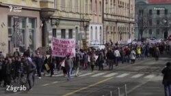 Járványügyi intézkedések ellen tüntettek Kelet-európa-szerte