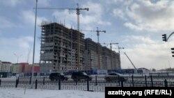 Строящийся многоквартирный дом. Нур-Султан, 9 февраля 2021 года.
