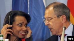 وزرای امور خارجه آمریکا و روسیه، در کنفرانسی خبری که ماه گذشته در برلین داشتند.