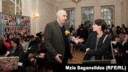 «Дневники свободы» – это своего рода иллюстрация жизни страны, демонстрируемая с различных ракурсов, разными людьми, говорит руководитель грузинской службы Радио Свобода Давид Какабадзе