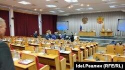 14 июня 2018 года. Депутаты покидают зал заседаний