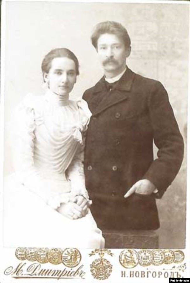 Адам Багдановіч са сваёй другой жонкай Аляксандрай Волжынай
